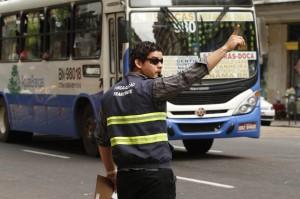 Motoristas de ônibus também foram alvo da ação educativa.